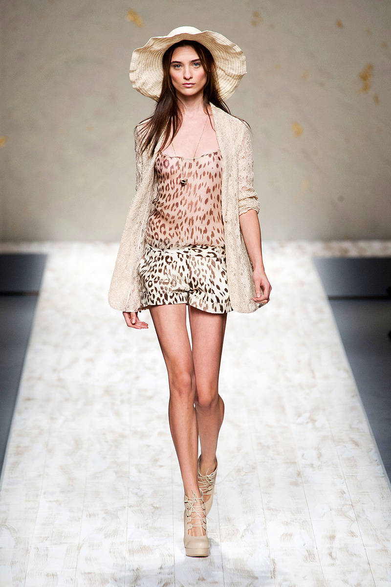 blugirl-sweet-and-romatic-spring-2013-collection-4