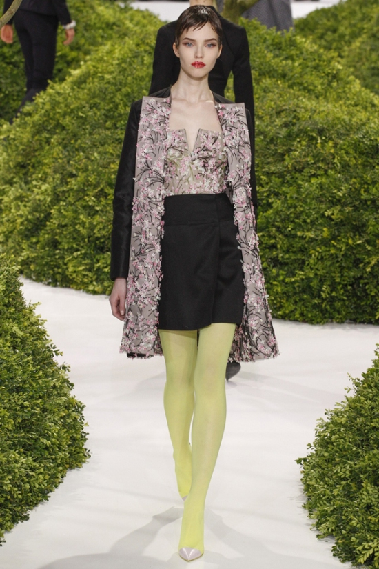 christian-dior-haute-couture-spring-2013-12