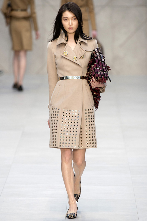 hearts-leather-and-metal-at-burberry-prorsum-fall-2013-show1