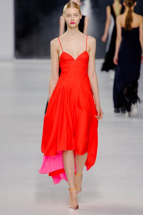 top-5-resort-2014-little-red-dresses-passion-runs-world-1-480x721