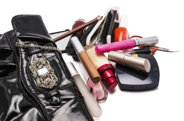 embedded_what_makeup_to_pack_for_vacation-620x410