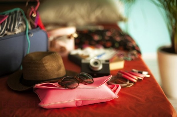 how_to_pack_holiday_fashion_tips_content-620x413
