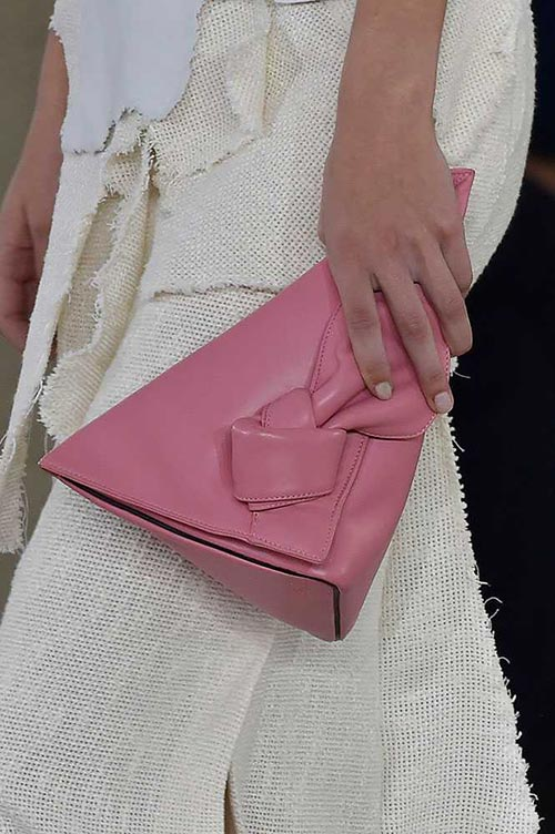 spring_2015_trendy_designer_handbags_from_the_runway_Loewe